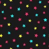 Upprepade spridda ljusa stjärnor Gullig sömlös modell för ungar Ändlöst barnsligt tryck royaltyfri illustrationer