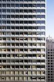 Upprepande modern fasad Arkivbild
