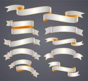 Uppsättning av bandet eller banret för vit det krökta vektor illustrationer