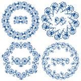 Uppsättning av blåa blom- cirkelramar Arkivfoto