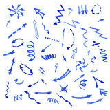 Uppsättning av blåa vattenfärgpilar Royaltyfri Illustrationer