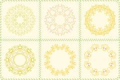 Uppsättning av blom- cirkelramar för reklamblad, broschyrer Royaltyfri Foto