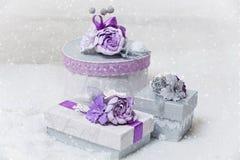 Uppsättning av blomma dekorerade gåvaaskar Royaltyfria Foton