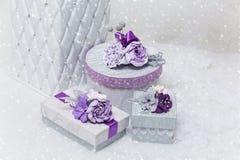 Uppsättning av blomma dekorerade gåvaaskar Royaltyfri Fotografi