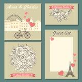 Uppsättning av bröllopinbjudankort och etiketter med endragen blom- modell och en gullig illustration Royaltyfria Bilder