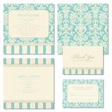 Uppsättning av bröllopinbjudningar med tappningbakgrund Arkivfoton
