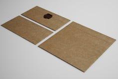 Uppsättning av bruna kuvert Arkivbild