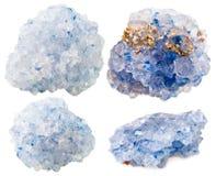 Uppsättning av Celestine (celestite) mineraliska ädelstenstenar Arkivfoto