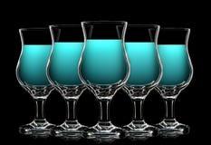Uppsättning av coctailexponeringsglas med blåa curacao på svart Royaltyfria Foton