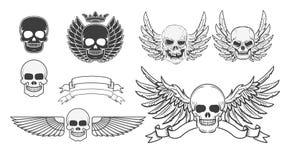 Uppsättning av de bevingade skallarna Designbeståndsdel för t-skjorta tryck, pos. vektor illustrationer