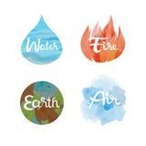 Uppsättning av de fyra naturbeståndsdelsymbolerna Vatten brand, jord, luftsymboler Arkivbilder