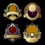 Uppsättning av dekorativa etiketter för tappning som isoleras på svart Royaltyfri Foto