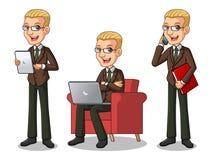 Uppsättning av den blonda affärsmannen i den bruna dräkten som arbetar på grejer stock illustrationer