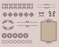 Uppsättning av den Calligraphic designbeståndsdelar och sidan Arkivbilder