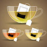 Uppsättning av den Glass koppen med te Royaltyfri Bild