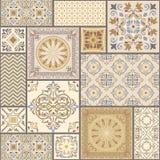 Uppsättning av den olika sömlösa geometriska modellen, textur för tapet, tegelplattor, webbsidabakgrund, tyg och designen för inp stock illustrationer