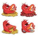 Uppsättning av den röda draken som bevakar hans skatter och guld- mynt som isoleras på en vit bakgrund Vektortecknad filmnärbild royaltyfri illustrationer