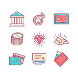Uppsättning av den tunna linjen symboler för plana pengar och finans Royaltyfri Foto
