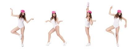 Uppsättning av den unga sportkvinnan i den vita bodysuit- och rosa färghattdansen på vit bakgrund royaltyfria foton