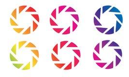 Uppsättning av designen för vektor för öppning för fotografi för kameralinser stock illustrationer