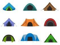 Uppsättning av det campa tältet Royaltyfri Fotografi