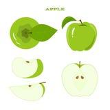 Uppsättning av det saftiga gröna äpplet som isoleras på en vit Arkivbild
