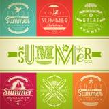 Uppsättning av emblem för sommarsemester och ferie Arkivfoton