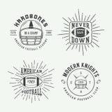 Uppsättning av etiketter för tappningrugby och för amerikansk fotboll, emblem och l Royaltyfri Bild