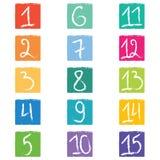 Uppsättning av femton färgrika nummeretiketter i fyrkanter med ojämna kanter Arkivbilder