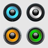 Uppsättning av fyra färgrika högtalare Arkivfoton