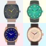 Uppsättning av fyra klockor Klockaframsida med timme, minut och andra händer vektor illustrationer