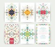 Uppsättning av geometriska abstrakta färgrika reklamblad Royaltyfria Bilder