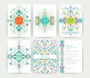 Uppsättning av geometriska abstrakta färgrika reklamblad Royaltyfri Fotografi