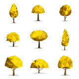 Uppsättning av geometriska vektorträd, poly abstrakt träd lågt Royaltyfria Bilder