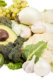 Uppsättning av gröna och vita frukter och grönsaker, på vit Royaltyfri Fotografi