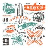 Uppsättning av grafiska beståndsdelar Buss som surfar, haj Royaltyfri Fotografi