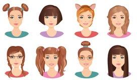 Uppsättning av gulliga flickatonåringar med olik frisyrer och färg royaltyfri illustrationer