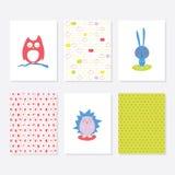 Uppsättning av 6 gulliga idérika kortmallar med Autumn Theme Design Hand dragit kort för årsdagen, födelsedag, partiinbjudningar Arkivbilder