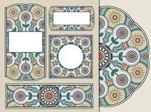 Uppsättning av hälsningkort eller inbjudningar med den blom- geometriska prydnaden för klotter för att gifta sig, mors dag, valen Arkivfoto