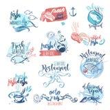 Uppsättning av hand drog vattenfärgetiketter och tecken av skaldjur royaltyfri illustrationer