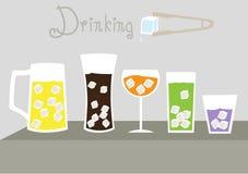 Uppsättning av kallt exponeringsglas av med is, illustrationer Royaltyfria Foton