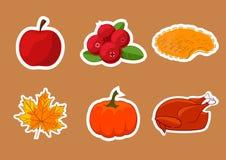 Uppsättning av klistermärkear för lycklig tacksägelsedag Emblem symbol, mall ett äpple, tranbär, pumpapaj, blad, kalkon Fotografering för Bildbyråer