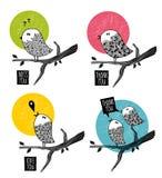 Uppsättning av klotterfåglar på trädet Royaltyfria Bilder