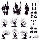 Uppsättning av konturer för halloween det dystra huset, illavarslande träd, staket, gravar, skallar, pumpor och slagträn royaltyfri illustrationer