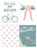 Uppsättning av kort med cyklar och bokstäver Royaltyfri Bild