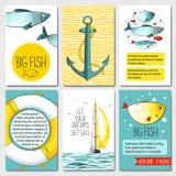 Uppsättning av 6 kortmallar med havsbakgrund Arkivbild