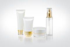Uppsättning av kosmetiska behållare Arkivbilder