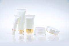Uppsättning av kosmetiska behållare Fotografering för Bildbyråer