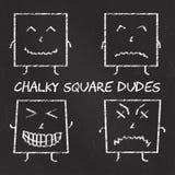Uppsättning av kritaemoticons, svart tavlabakgrund, chalky fyrkantiga killar för emoji Arkivbild