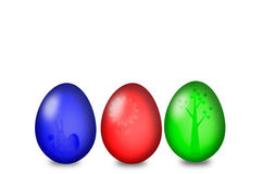Uppsättning av kulöra easter ägg på en vit bakgrund Arkivfoto